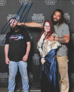 https://mashable.com/2018/06/18/jason-momoa-funny-fan-photo/?utm_cid=mash-goog-amp-morein#AFlW0aNwSqqY
